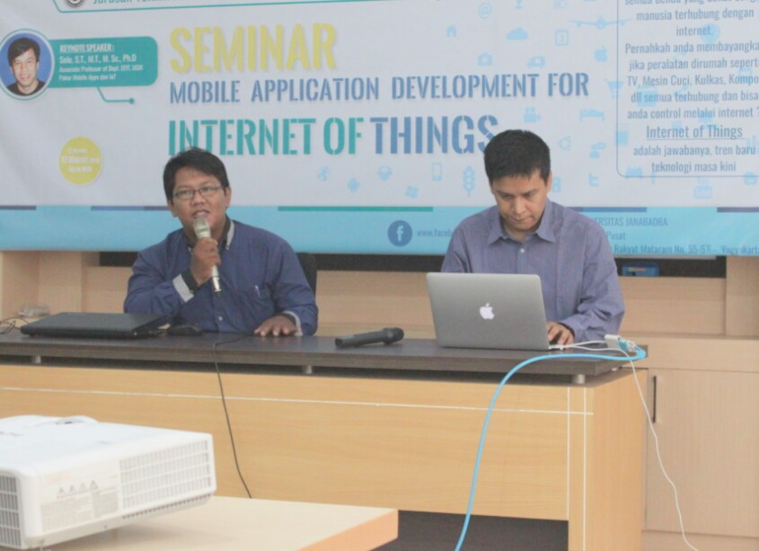Jurusan Informatika Sukses Adakan Seminar Mobile Apps Development for Internet of Things dengan Peserta Mahasiswa Informatika Se-DIY.